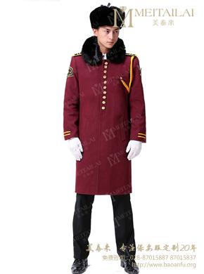 <b>红色妮子保安大衣</b>