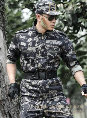 <b>户外耐磨迷彩服套装男女夏季野战特种</b>